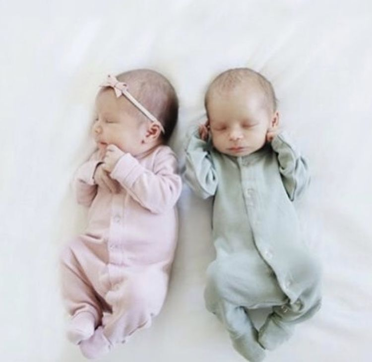 How sweet are these two newborn babes?! Our organic Footed rompers are so soft and comfy! #leoandcullie #babyclothes #organicclothes #footedromper #sleeper #newborn #newbornphotography #twins #babyboy #babygirl #modernmom #modernbaby
