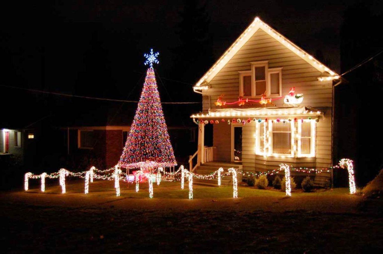 59 Fantastic Christmas Exterior House Light Ideas | Exterior house ...