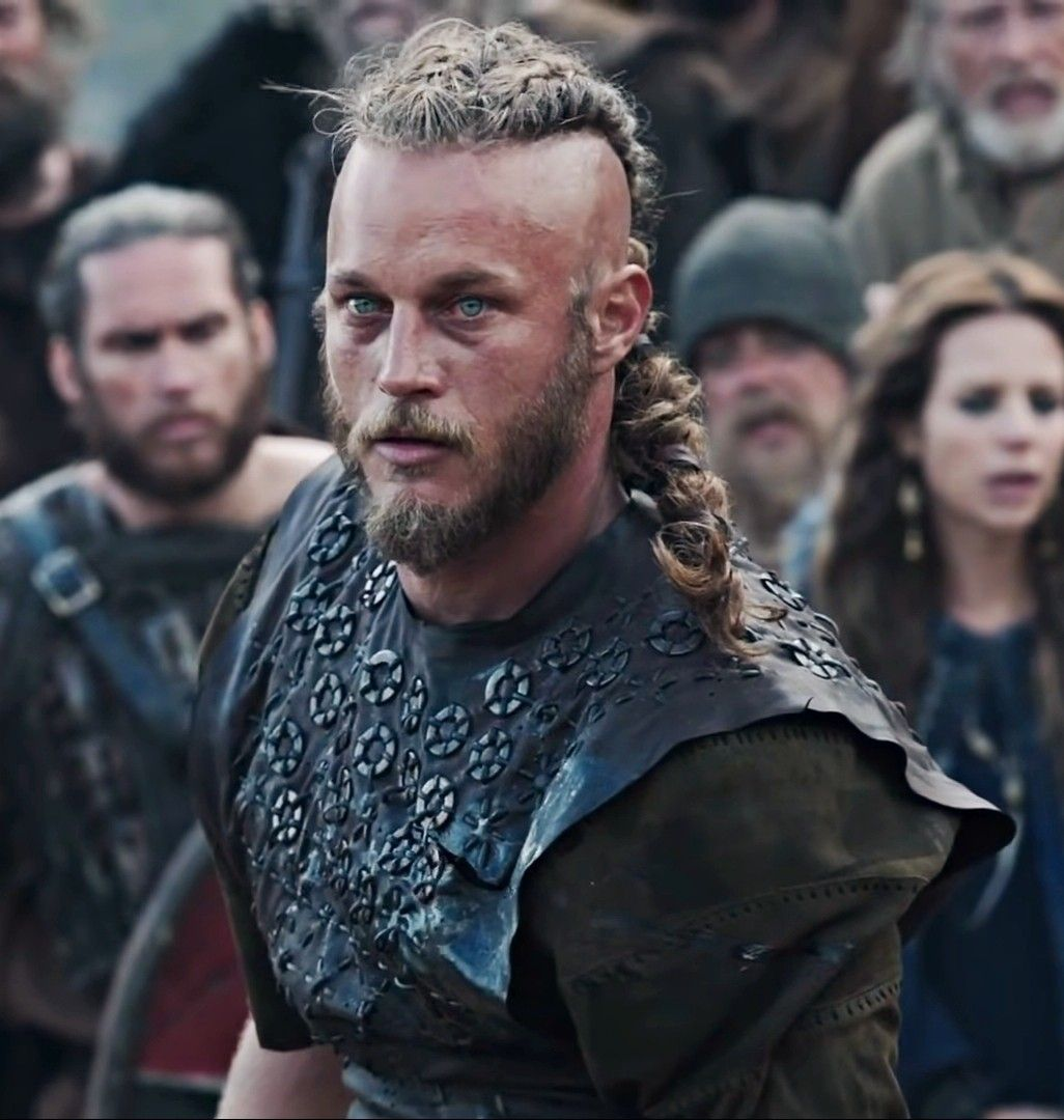 Pin By Cynthia Robinson On Vikings In 2020 Ragnar Lothbrok Vikings Ragnar Lothbrok Hair Vikings Travis Fimmel
