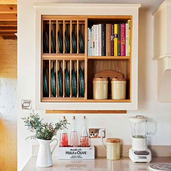 Rustic kitchen with modern plate rack & Rustic kitchen with modern plate rack | Plate racks Classic plates ...