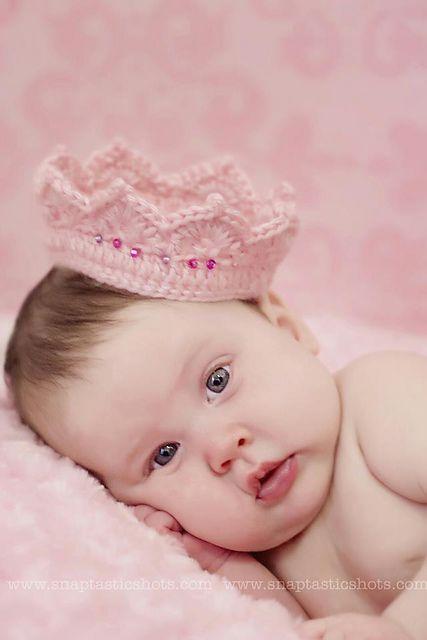 Lovely Newborn Baby girl princess Crochet Crown Handmade Gift Hat