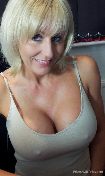 mature milf Naughty blonde