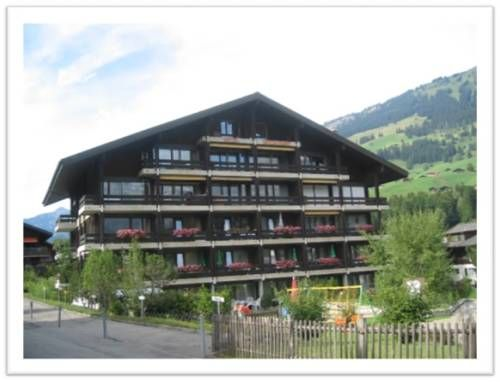 Chalet R�sidence Lenk Lenk Chalet R?sidence Lenk offers accommodation in Lenk, 800 metres from Lenk-Stoss and 900 metres from Walleg. The apartment is 2.3 km from Stoss-Leiterli. Free WiFi is available throughout the property and free private parking is available on site.