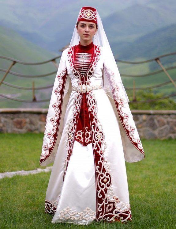 Татарский национальный костюм (51 фото)  женские, детские, национальные  костюмы татар для девочки Разве это татарский костюм !! Нет же! 69474e42497
