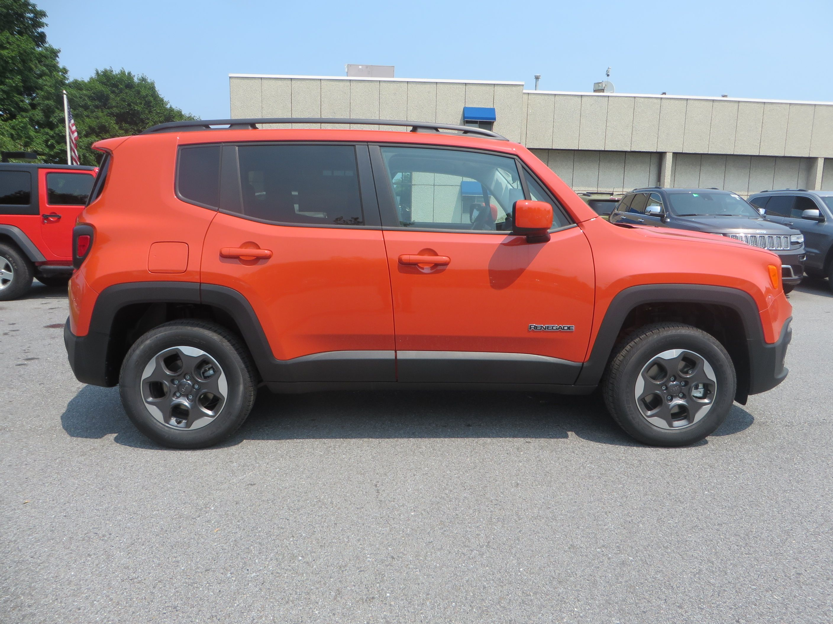 Our First 2015 Jeep Renegade Latitude With A Manual Transmission In Omaha Orange 2015 Jeep Renegade Jeep Renegade Jeep