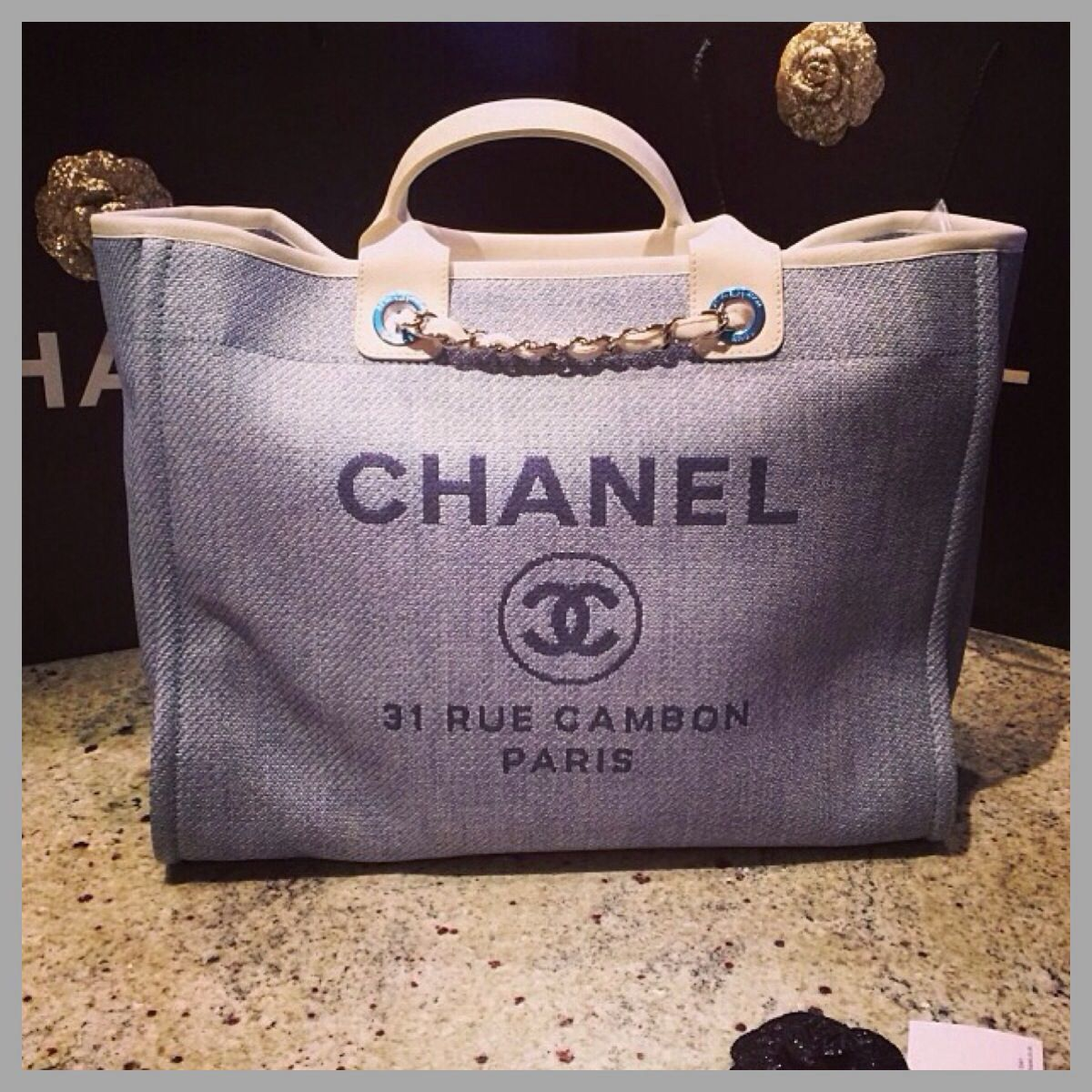 b0a04a985ce6 Chanel Diaper bag ❤ | What to wear | Chanel beach bag, Fashion ...