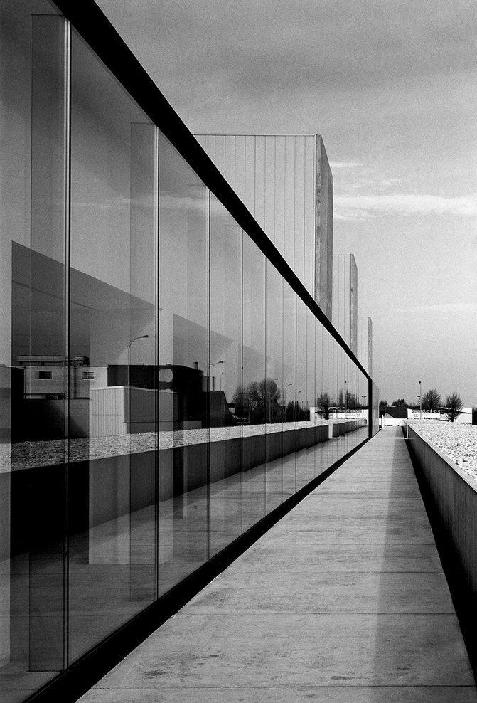 Office building at Waregem by Vincent Van Duysen | Architecture ...
