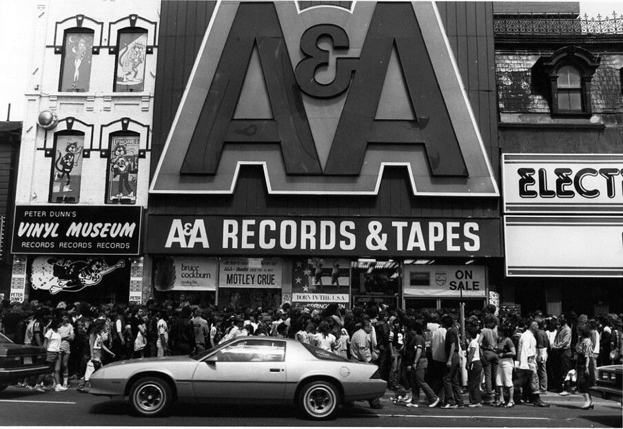 1984c Yonge opposite Elm St, A&A and Vinyl Museum