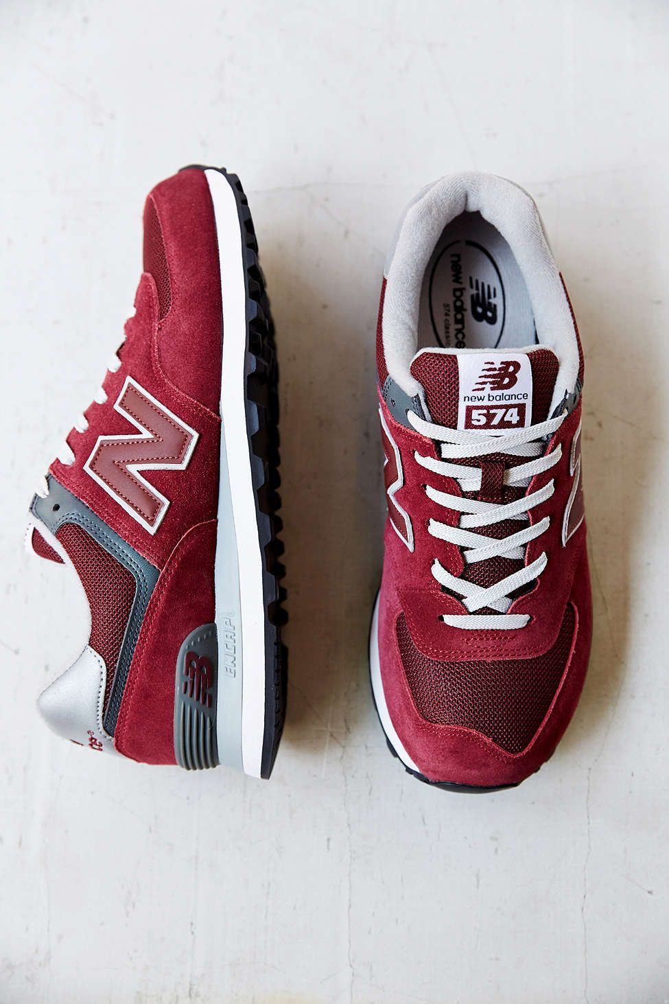 innovative design 723a3 5a644 New Balance 574 Core Sneaker - Urban Outfitters Chaussures Homme, Chaussure  Basket, Soulier,