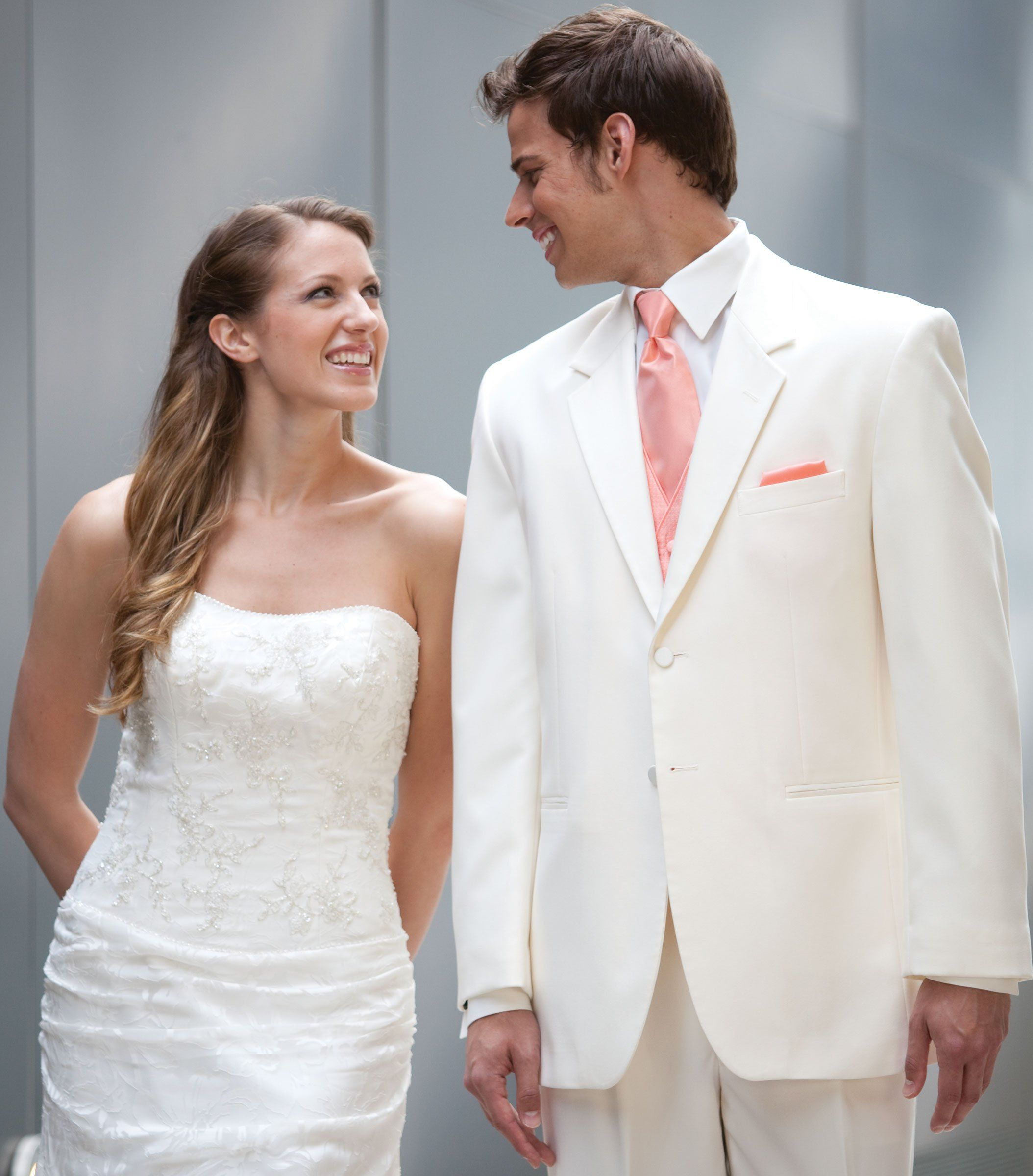 white suit, peach pink accents | Groom fashion | Pinterest | Pink ...
