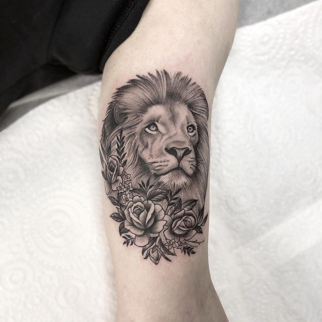 Lion Tattoo Tattoo Ideas And Inspiration Callyjoart Tattoos Black And Grey Tattoos Ink Tattoo