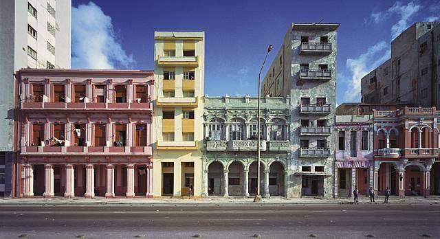 Robert Polidori, Building facades on the Malecon, Cuba