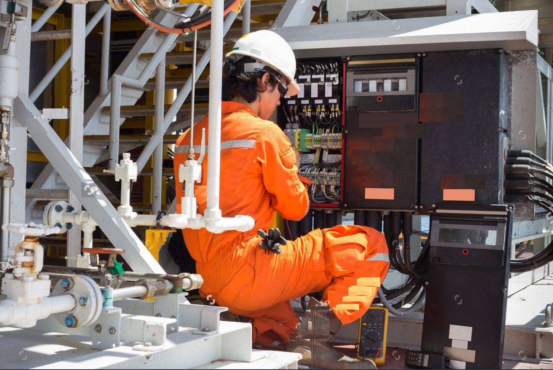 What Does A Hvac Technician Do Hvac Technician Electricity