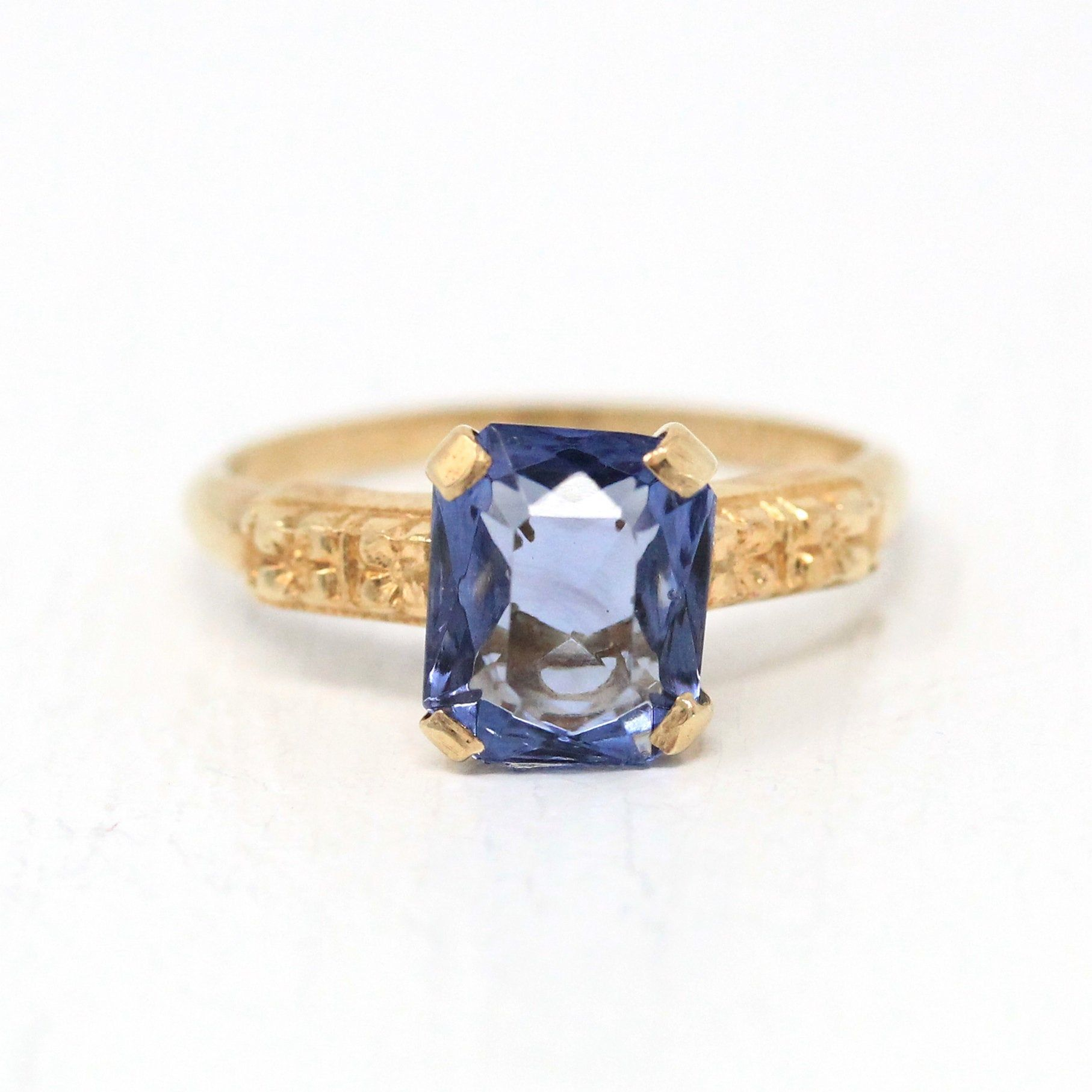 Simulated Sapphire Ring Vintage 10k Yellow Gold Blue Glass 1940s Art Deco Size 4 1 4 September Birthstone In 2020 Vintage Sapphire Ring Art Deco Ring Vintage Rings