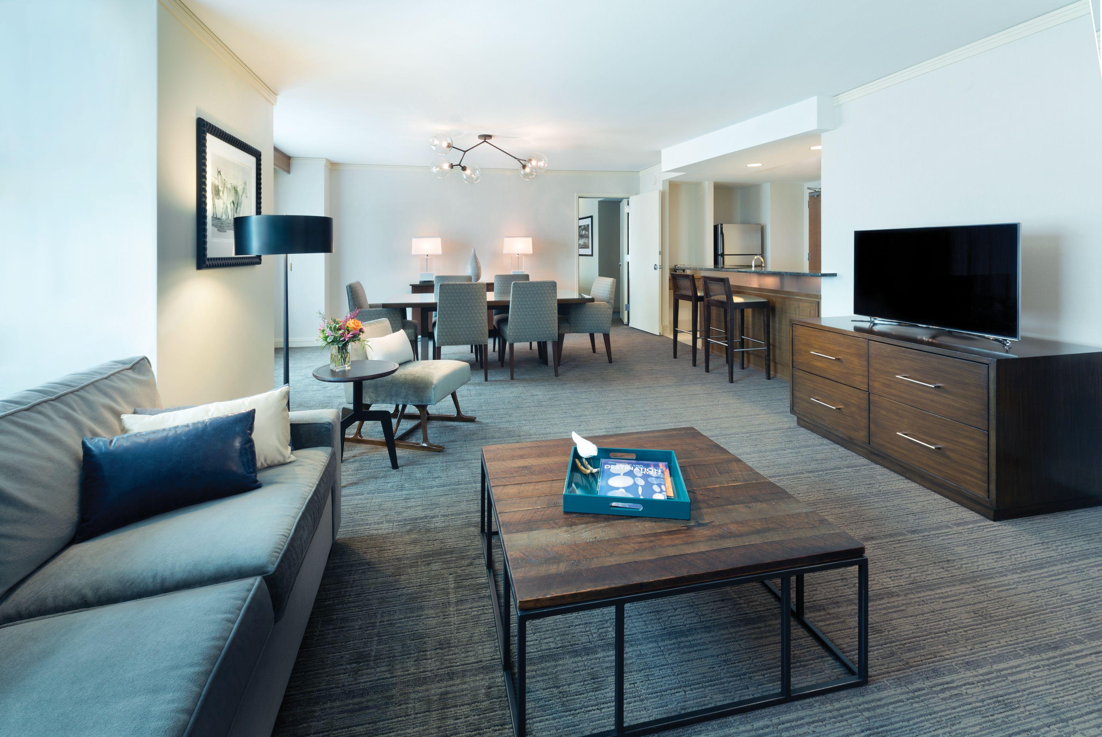 Aspen Suite 1 104 Sq Ft Hyatt Regency Denver Denver Hotels