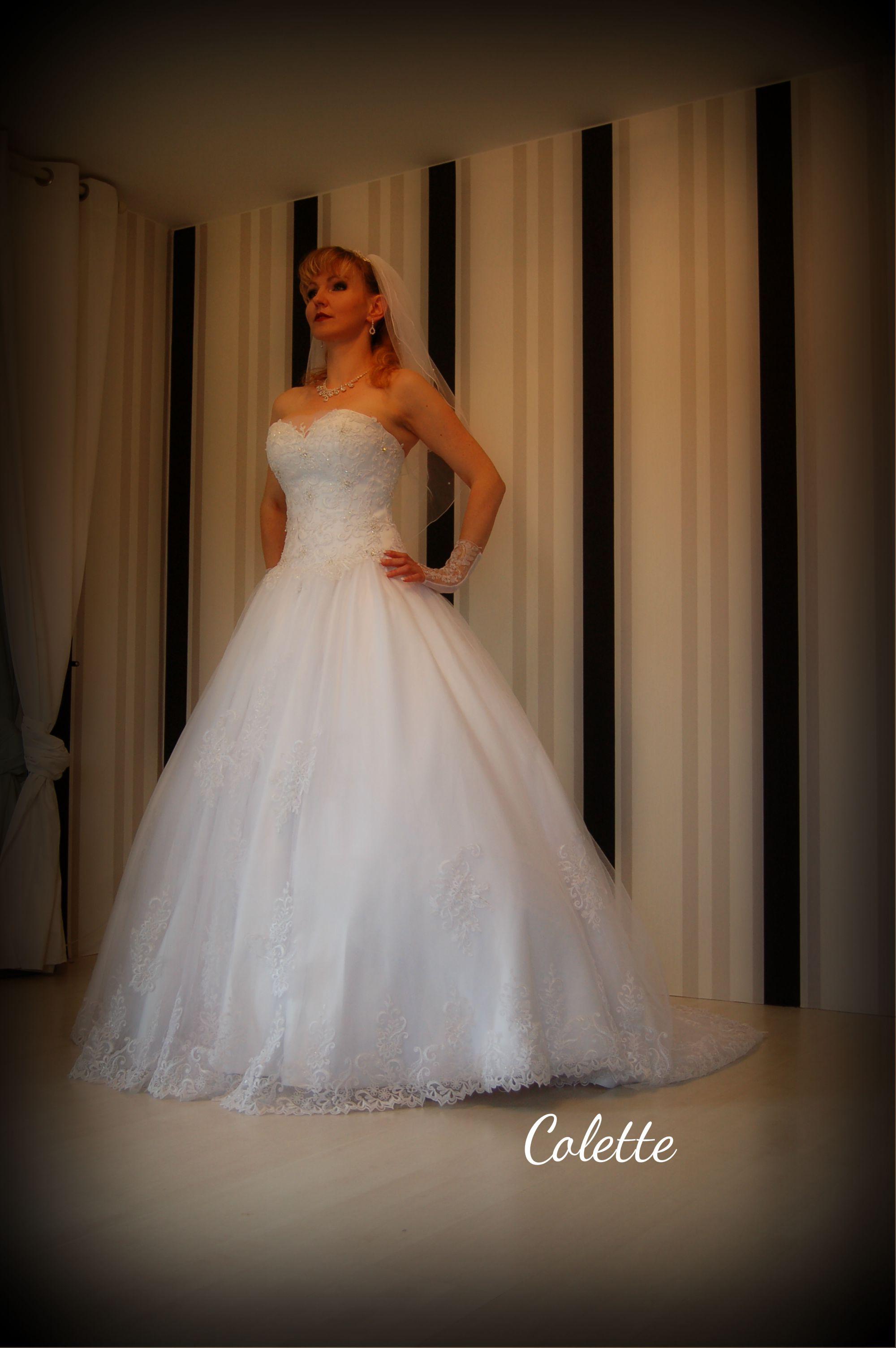 Hochwertiges Brautkleid Colette mit schöner Spitze und edler Corsage ...
