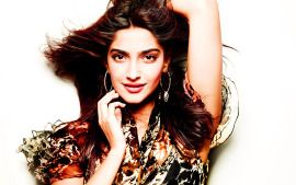 Sonam Kapoor Desktop Wallpapers Downloadsonam Kapoor Hd Wallpapers