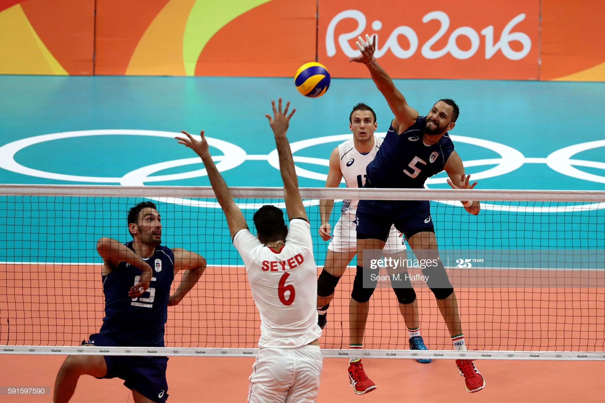 Osmany Juantorena Of Italy Spikes Past Seyed Mohammad Mousavi Eraghi In 2020 Volleyball Olympics Rio Olympics 2016