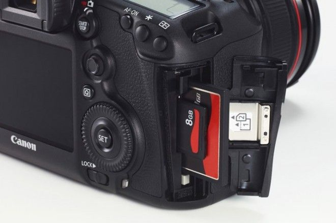 Dual card slots on the Canon 5D Mark III  Cool  | Camera
