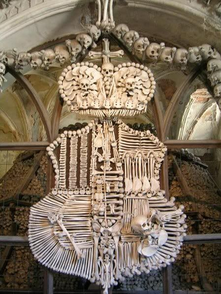 Curious Places: Sedlec Ossuary (Kutná Hora/ Czech Republic)