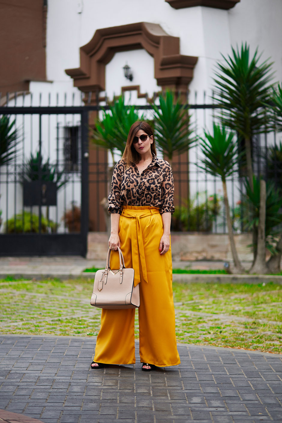 Photo of Look del día: Pantalones palazzo y con lazo en la cintura | Divina Ejecutiva