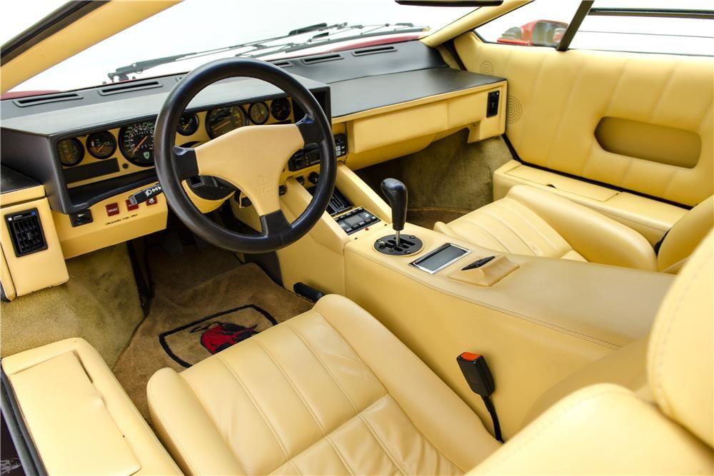 1989 Lamborghini Countach 25th Anniversary Interior 187016