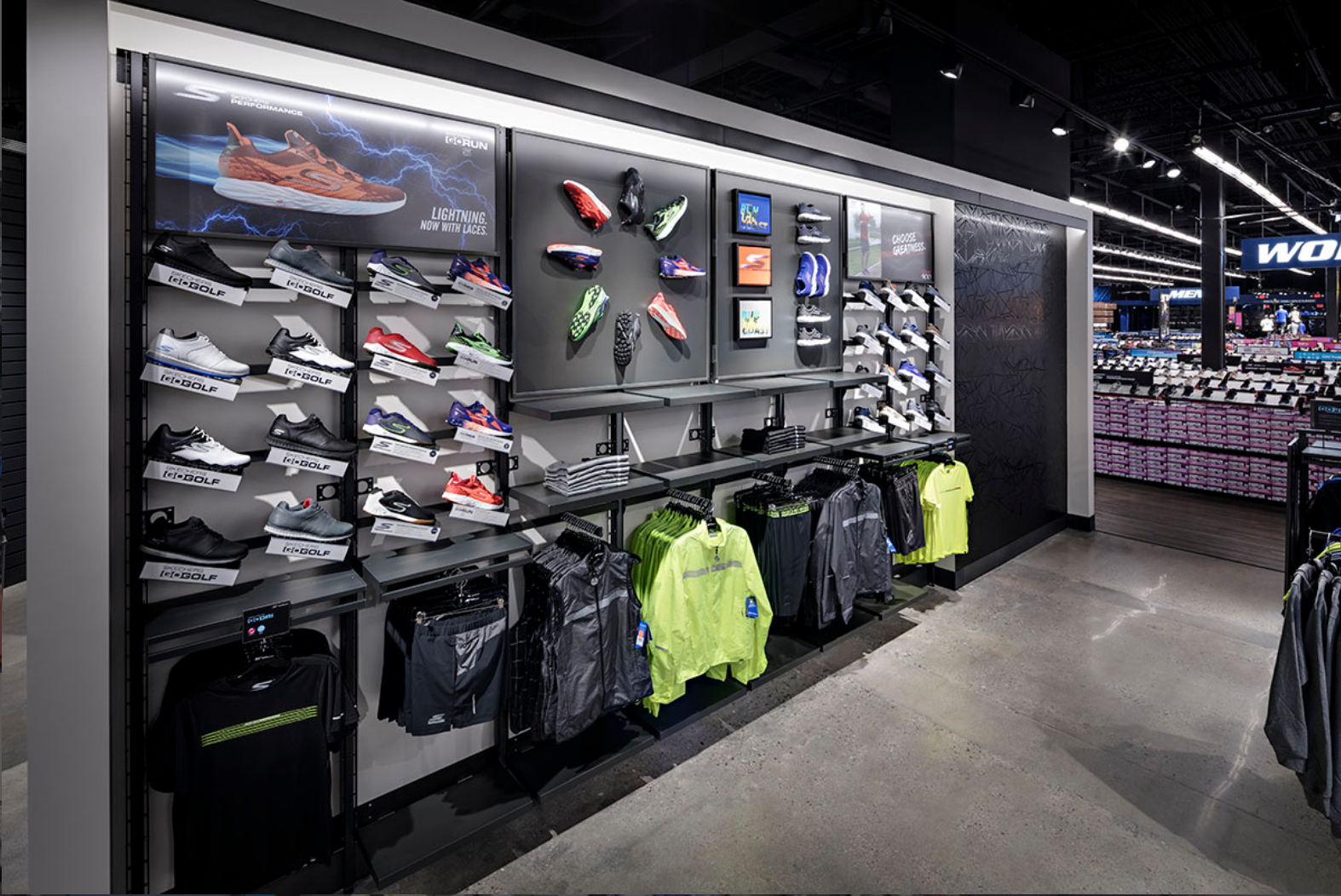 Skechers Factory Outlet Retail Display