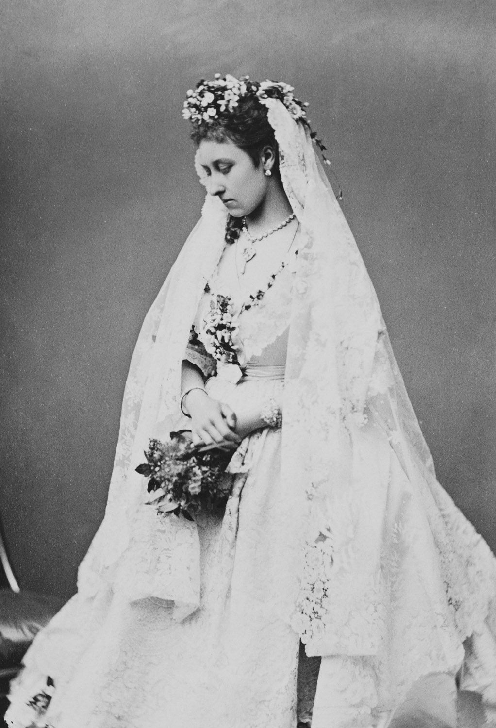 Princess Louise 1848 1939 In Her Wedding Dress Royal Collection Trust Royal Brides Victorian Wedding Dress Royal Wedding Dress [ 1500 x 1022 Pixel ]