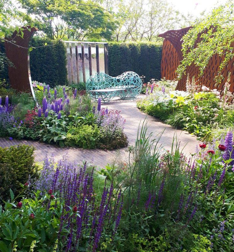 show gardens at Rhs Chelsea flower show. Best British
