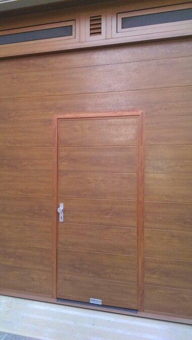 Puerta seccional con porton