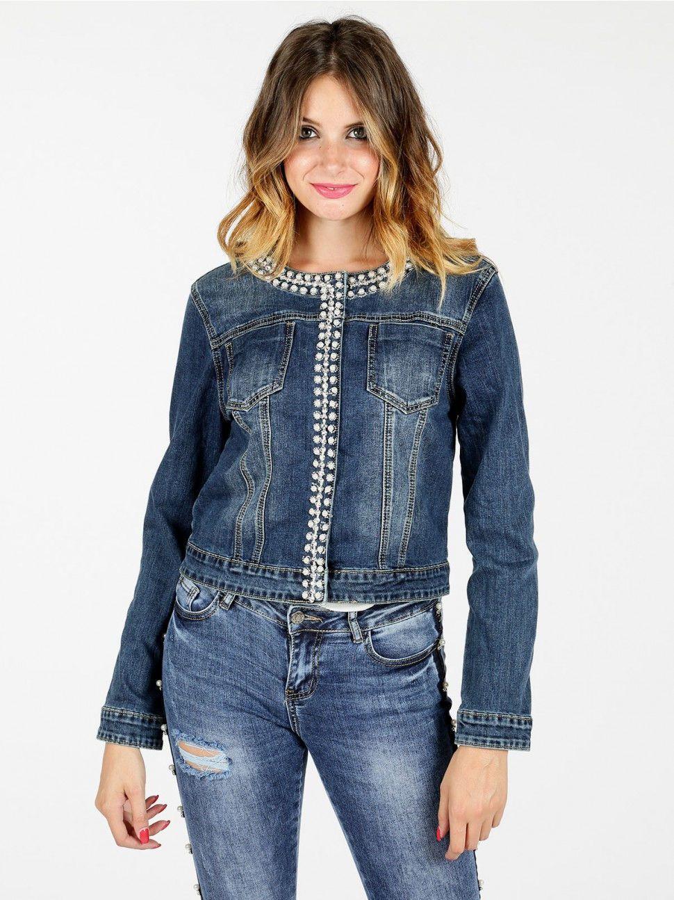cheap for discount 2b377 e8b05 Giacca di jeans con borchie e perle | indumenti | Jeans con ...
