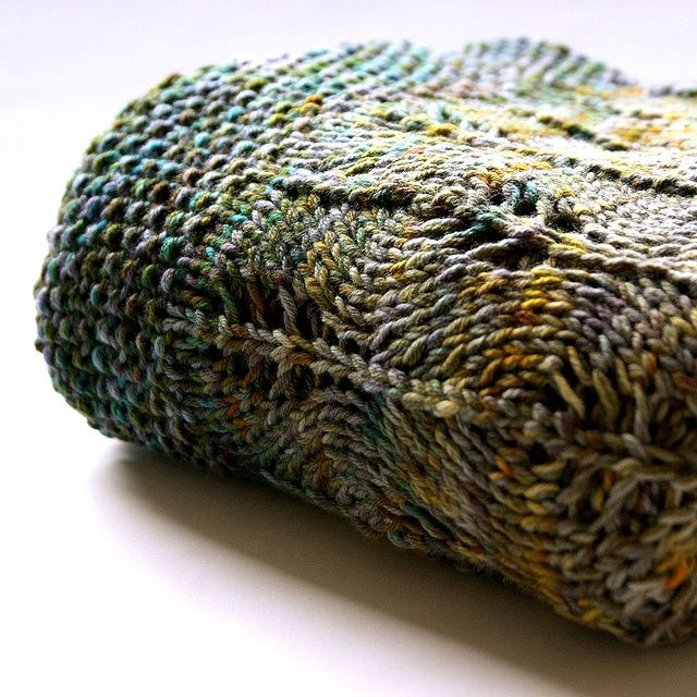 """""""Undercover"""" blanket, knitted in the round... free pattern ..."""