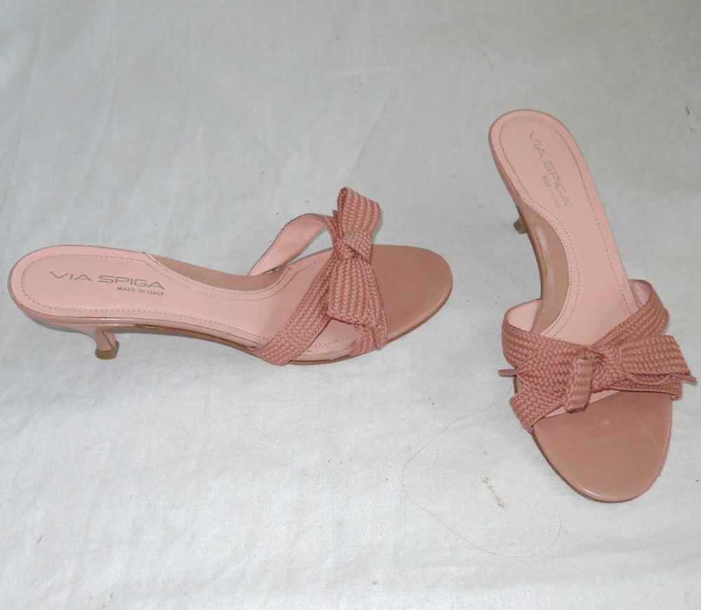 Via Spiga Mules Sandals Dusty Pink Kitten Heel Leather Textured Fabric Bow 7 5m Viaspiga Mules Pink Kitten Heels Mule Sandals Kitten Heels