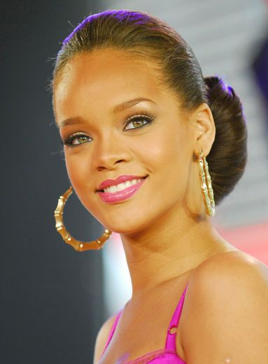 Hairstyle File Rihanna's Evolving 'Do Hairagami Style