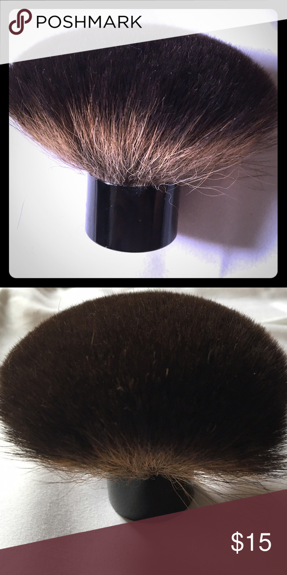 Kabuki makeup brush Open to offers:) used 2-3 times! Bought in NYC (not Mac) MAC Cosmetics Makeup Brushes & Tools