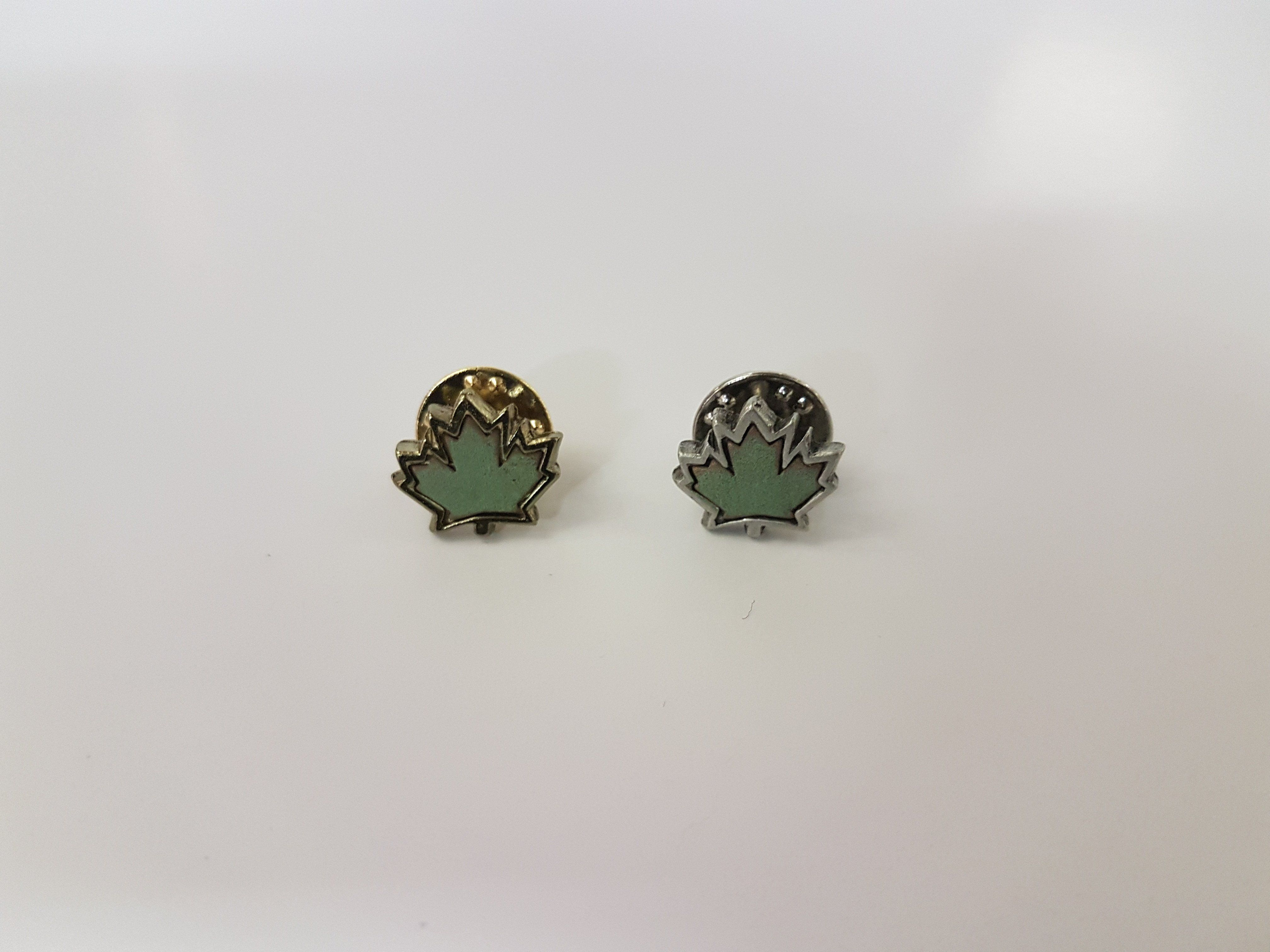 Maple Leaf Lapel Pin Copper uses, Lapel pins, Make a
