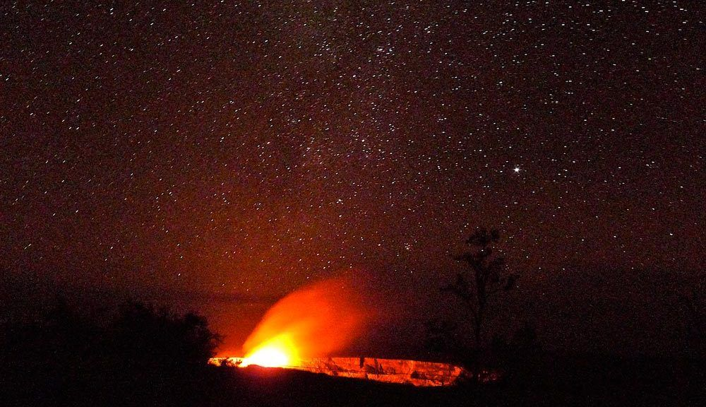 The glow from the Halema'uma'u crater