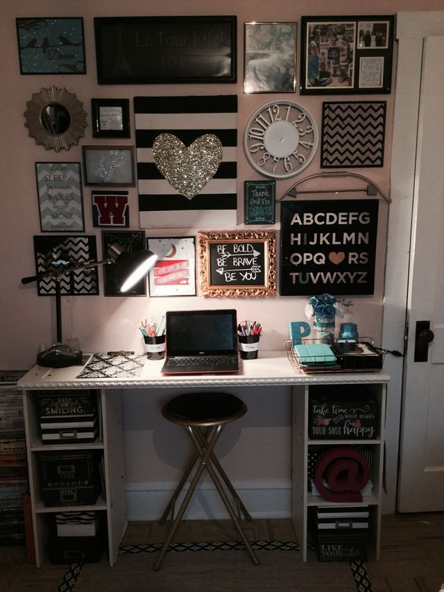 Teen bedroom gallery wall above desk black white and for Black bedroom wall decor