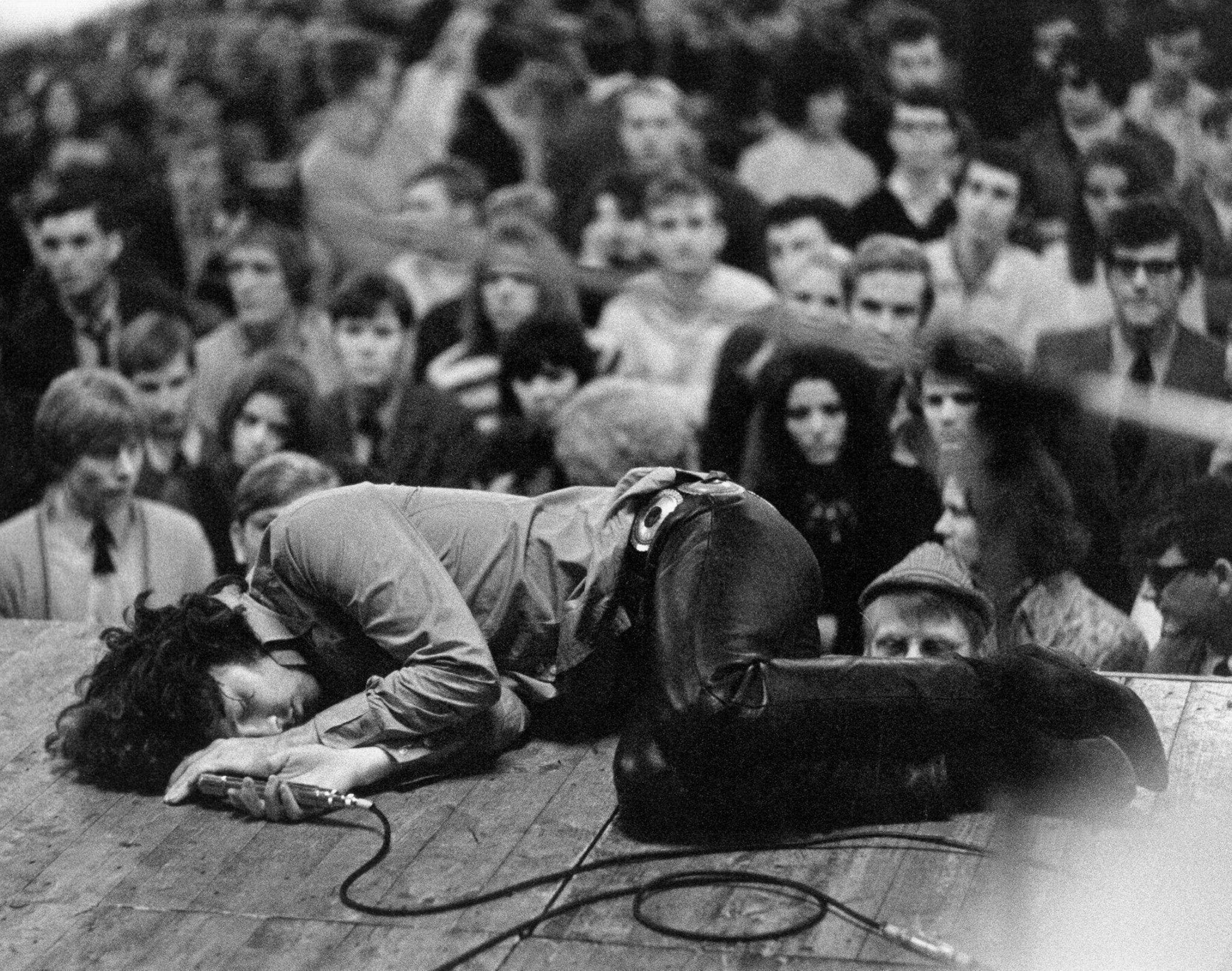 september 15 1968 jim morrison collapses during jefferson