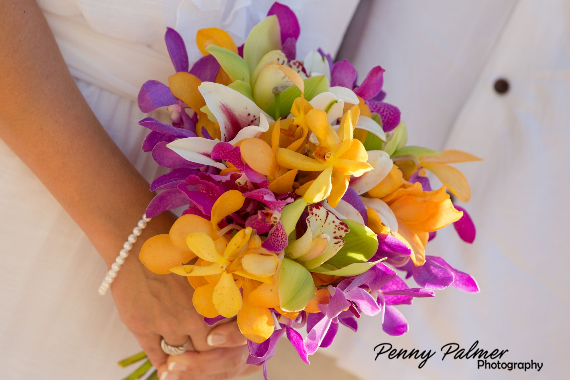 Maui beach weddings bouquet ideas maui wedding flowers pinterest maui beach weddings bouquet ideas izmirmasajfo