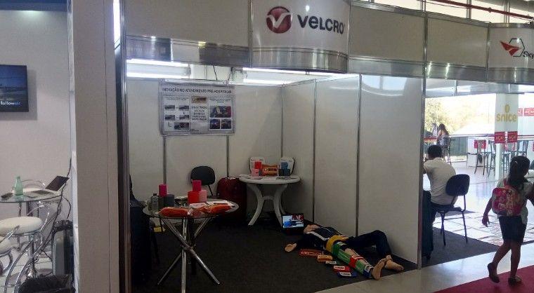 Kit Em Exposicao Pela Empresa Velcro No Encontro Internacional De