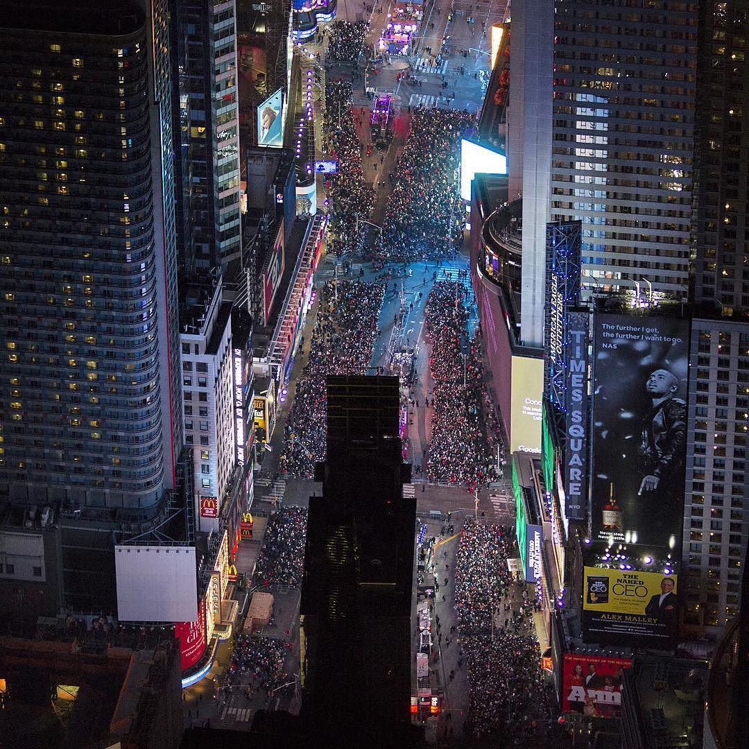 happy new years eve times square flynyon nyc jsovs
