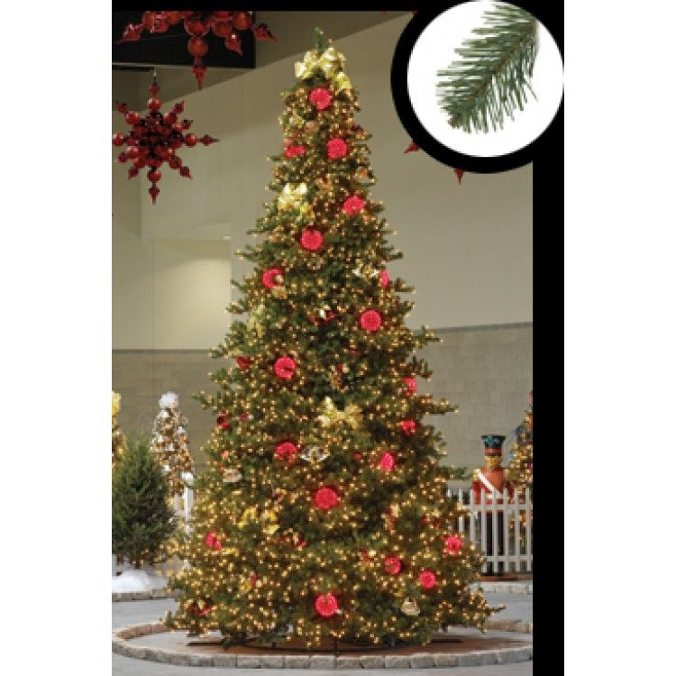With over 1900 lights this GKI Tree