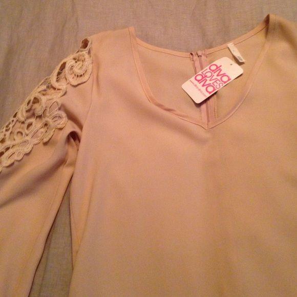 Cream shift dress Size small, Cream shift dress with crochet shoulders. NWT Dresses Mini