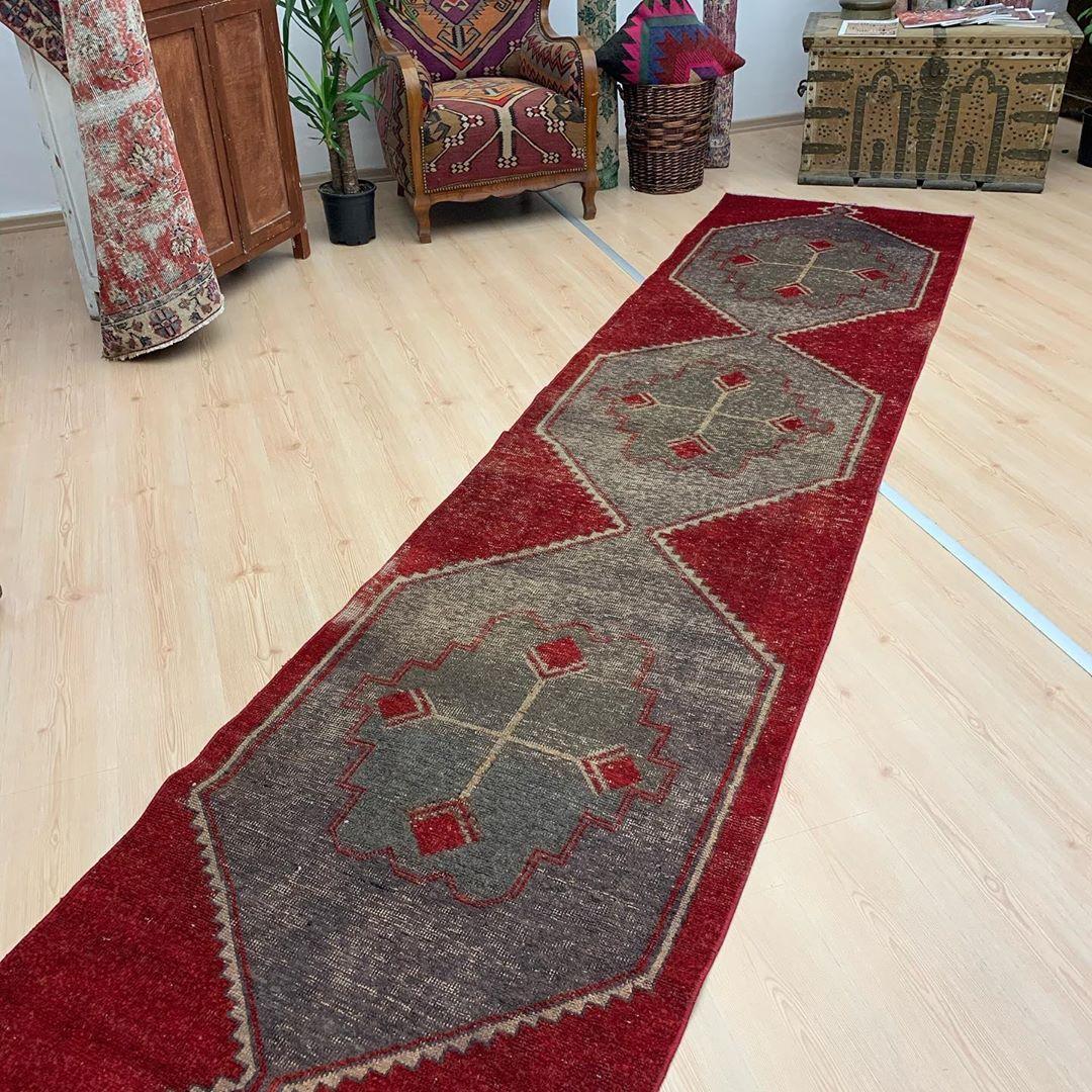 Antique Persian Carpets Los Angeles Etsy In 2020 Antique Persian Carpet Persian Carpet Rugs