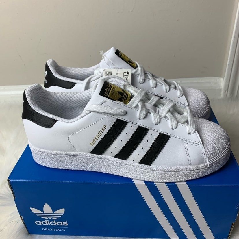 Adidas Superstar J Youth Size 6.5 New