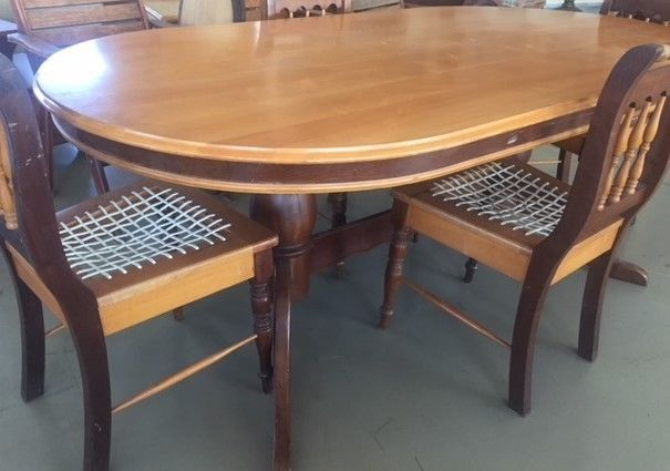 Yellow Wood Dining Table 5 Chairs And Dresser Port Elizabeth Gumtree Classifieds South Africa 227690642 Wood Dining Table Dining Table Dutch Furniture