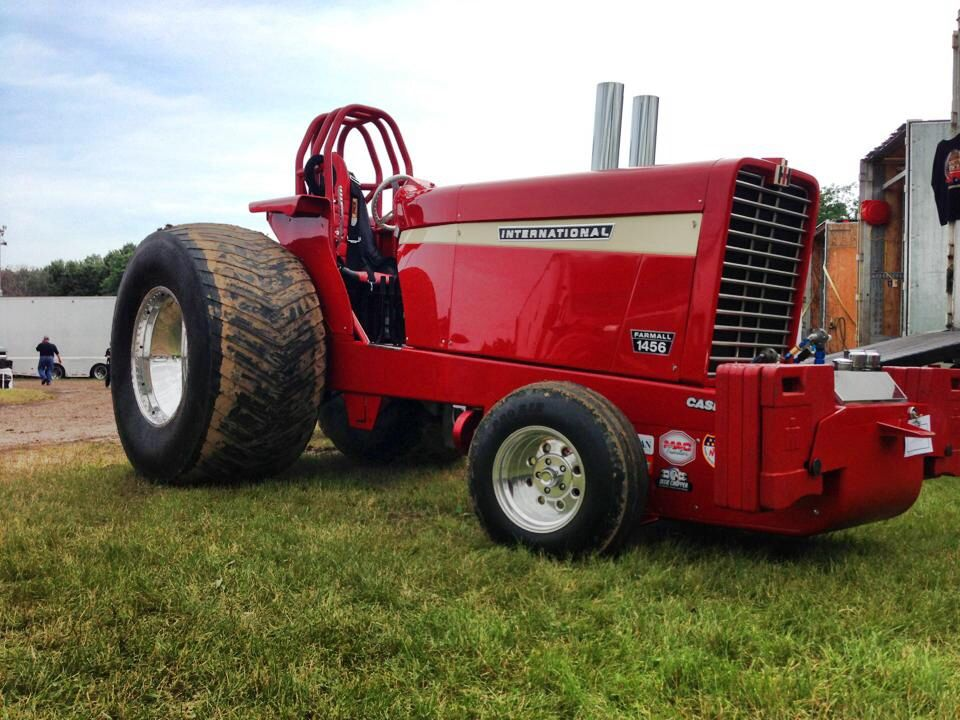 Case Ih Pulling Tractors : Ih international harvester pinterest tractor