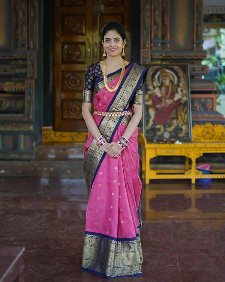 "Photo of letsthinkstyle on Instagram: ""😊😊😊 . . . . . . . #ethnic #saree #pattu #indian #indianwear #jewellery #southindian #indianblogger #indianfashionblogger #delhiblogger…"""