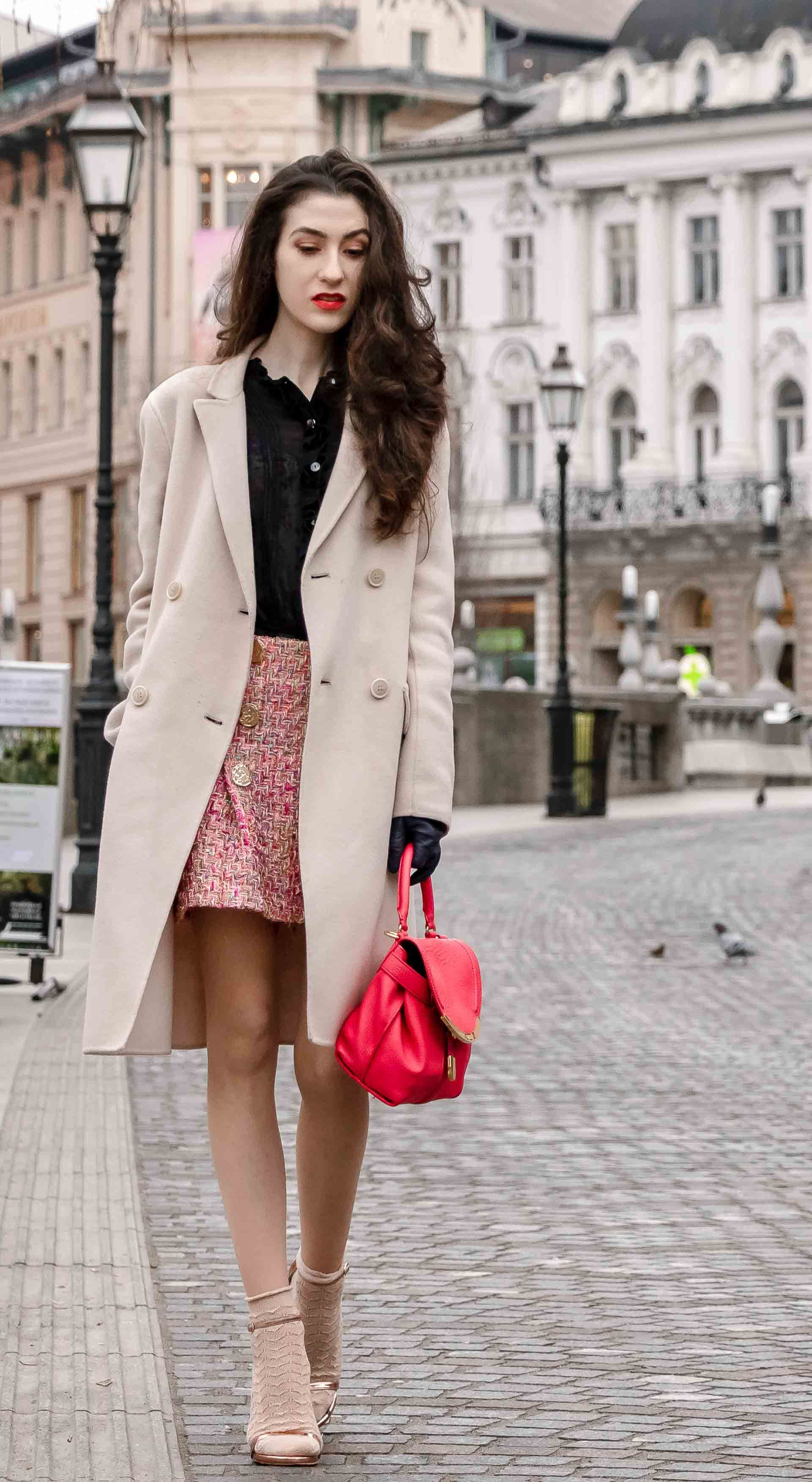 d957dee62694 Fashion Blogger Veronika Lipar of Brunette from Wall Street sharing how to  wear socks and sandals on the street this spring  fashion  blogpost  socks  ...